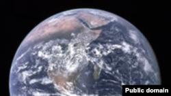 Такой увидели Землю астронавны Аполлона 17, улетая к Луне. Wikipedia. NASA
