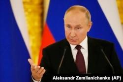 Володимир Путін говорить про Україну під час зустрічі із Анґелою Меркель у Кремлі. Росія, 21 серпня 2021 року