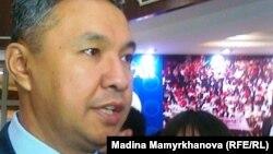 Мәжіліс депутаты, «Ақ жол» партиясының басшысы Азат Перуашев.