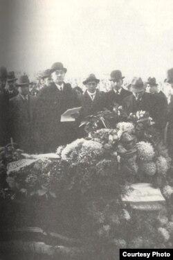 Fransada Əlimərdan bəy Topçubaşovun vəfatı. 1934
