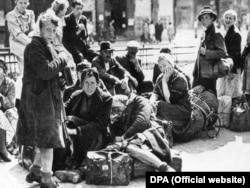 Німецькі біженці у Берліні. 1945 рік