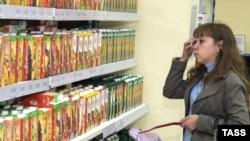 Почти все продаваемые в России соки производятся из импортных концентратов