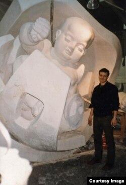 Михаил Рева в студии Эрнста Неизвестного