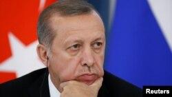 Türkiýäniň prezidenti Rejep Taýýyp Erdogan.