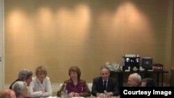 Catherine Ashton me sekretarin John Kerry dhe ministrin e Jashtëm iranian Mohammad Javad Zarif.