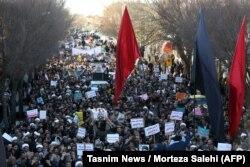Проурядова акція у місті Неджефабад, Іран, 3 січня 2017 року