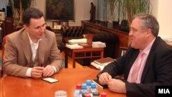Средба на премиерот Никола Груевски со известувачот на Европарламентот за Македонија Ричард Ховит, 15 февруари 2013.