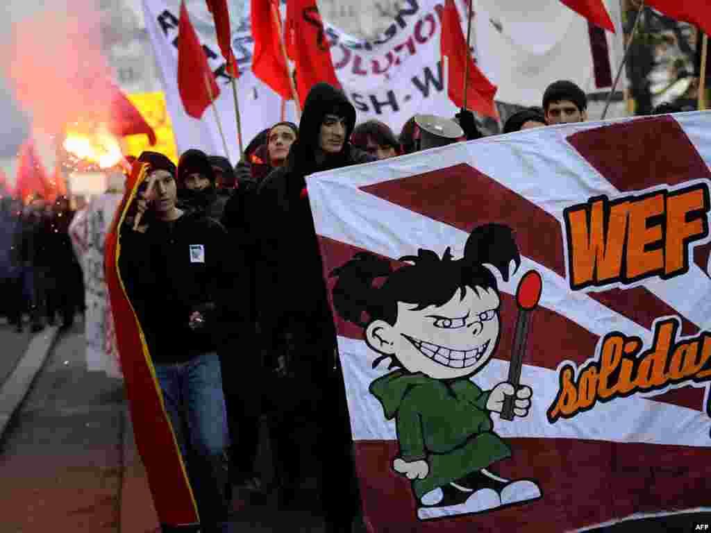 Швэйцарыя: дэманстрацыя пратэсту супраць Сусьветнага эканамічнага форуму ў Давосе.
