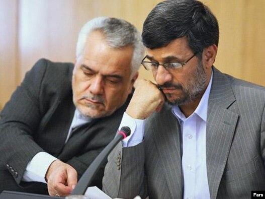 محمود احمدی نژاد، رييس دولت دهم(راست)، محمدرضا رحيمی را فردی «بسيار پاک و انقلابی» معرفی کرده و اتهام های وارده به وی را يک «حرکت سياسی» توصيف کرد.