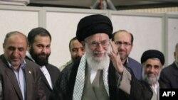 Тәһранда тавыш биргәннән соң Иранның югары рухи җитәкчесе аятулла Али Хаменеи