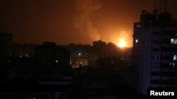 حمله هواپیماهای اسرائیلی به جنوب نوار عزه شامگاه پنجشنبه روی داد.