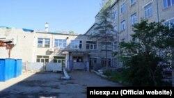 Здание больницы в городе Большой Камень в Приморье