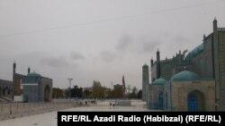 زیارتگاه منسوب به حضرت علی در شهر مزارشریف