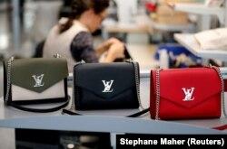 Çanta të markës Louis Vuitton. Foto nga arkivi.