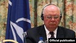 Џејмс Пердју, поранешен заменик на генералниот секретар на НАТО и еден од посредниците во разговорите за Охридскиот договор
