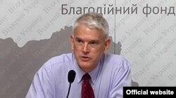 Стивен Пайфер. Украина, 6 июня 2012 года
