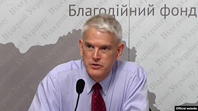 Стивен Пайфер