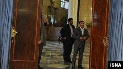 نامه کميسيون برنامه و بودجه برای پاسخگویی محمود احمدی نژاد به سوال نمايندگان مجلس فرستاده شده است.