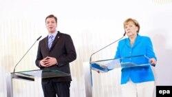 Aleksandar Vučić i Angela Merkel na Samitu