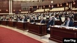 Заседание парламента Азербайджана