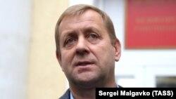 УОлега Зубкова, який у 2014 році підтримав анексію півострова Росією – тривалий конфлікт окупаційною владою Криму