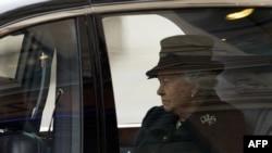 Королева Елизавета II на похоронах экс-премьер-министра Великобритании Маргарет Тэтчер, Лондон, 17 апреля 2013 года.