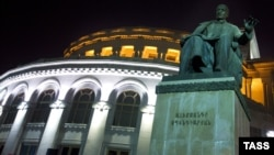 Օպերայի շենքը Երևանում, արխիվ
