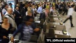 Лондонское метро в час пик. Иллюстративное фото.