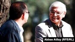 Arxiv fotosu: Professor Rafiq Əliyev AzadlıqRadiosunun keçmiş əməkdaşı İlqar Rəsulla, Bakı, 22 oktyabr 2012
