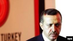 نخست وزیر ترکیه می گوید که در مساله شورشیان کرد در شمال عراق، آنکارا به تنهایی تصمیم می گیرد.