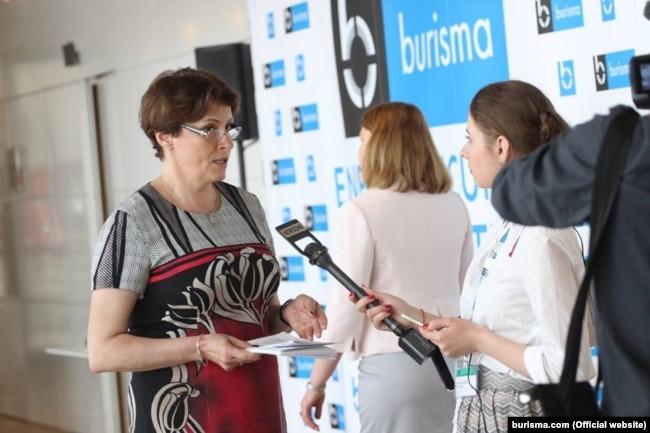 Ніна Южаніна виступала на тлі банера Burisma Group, але була «не в змозі ідентифікувати Злочевського»