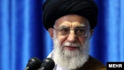 Верховный лидер Ирана аятолла Али Хаменеи.