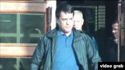 """""""Өзбекстандын агенти"""" делген Фархат Парпиев. КТРКнын видеоматериалынан алынган сүрөт."""