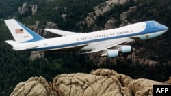 ۷۴۷ یکی از دو هواپیمای ویژه رئیسجمهوری آمریکا است.
