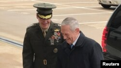 U.S. Defense Secretary James Mattis (right) and Marine General Joseph Dunford, chairman of the Joint Chiefs of Staff