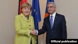 Президент Армении Серж Саргсян и канцлер ФРГ Ангела Меркель (архив)