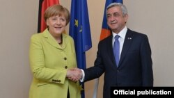 Latvia - German Chancellor Angela Merkel and Armenian President Serzh Sarkisian meet in Riga, 21May2015.