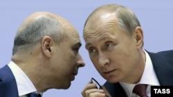 Президент Росії Володимир Путін та міністр фінансів Росії Антон Силуанов під час міжнародної конференції у Нью-Делі, грудень 2014-го