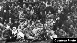 ТАССРны оештыру корылтаенда катнашучылар, 1920 ел