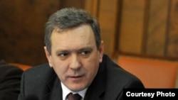 српскиот министер за Косово Горан Богдановиќ