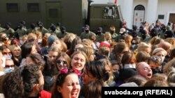 Білорусь: затримання на жіночому марші (фотогалерея)