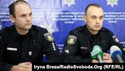 Начальник Управління патрульної поліції Ужгорода та Мукачева Юрій Марценишин (п) і його заступник Валерій Найман
