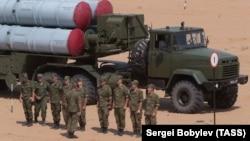 Ракетная установка С-300. Иллюстративное фото.