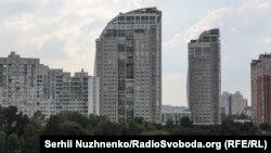 Будинки-«вітрила» на Оболонській набережній Києва