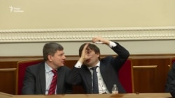 Мовний закон: хто й чому затягує розгляд у парламенті? (відео)