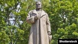 Пам'ятник генералу Ватутіну у Києві. ©Shutterstock