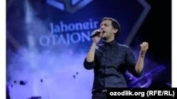 Uzbek singer Jahongir Otajonov (file photo)