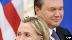 Ukraine President Viktor Yanukovych with U.S. Secretary of State Hillary Clinton in Kyiv on July 2