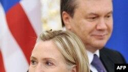 Ukraine President Viktor Yanukovych with U.S. Secretary of State Hillary Clinton in Kyiv on July 2