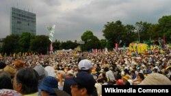 Проти атомної енергетики у Японії протестують із березня минулого року